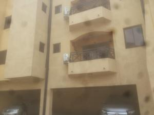 2 bedroom Blocks of Flats House for rent alara street, Onike Yaba Lagos