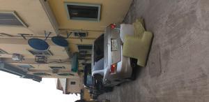 3 bedroom Flat / Apartment for rent By Hughes Avenue, Alagomeji, Yaba, Lagos.  Alagomeji Yaba Lagos