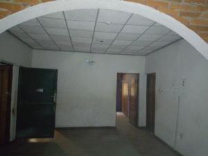 4 bedroom Flat / Apartment for rent ogunleye off adekunle via  Adelabu Surulere Lagos