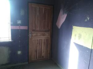 3 bedroom School Commercial Property for rent Off doying omololu street by Ori ola Alapere Kosofe/Ikosi Lagos
