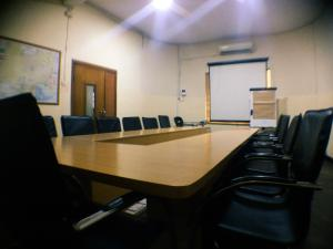 Meeting Room Co working space for shortlet 12, jibowu street yaba  Jibowu Yaba Lagos - 0