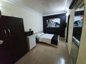 1 bedroom mini flat  Studio Apartment Flat / Apartment for shortlet Adeniyi Coker street Victoria Island Lagos