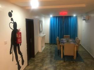 3 bedroom Flat / Apartment for shortlet Adeniyi Coker Street Victoria Island Lagos