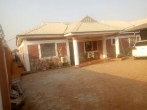 3 bedroom Flat / Apartment for sale behind living faith church mahuta extension. Kaduna South Kaduna
