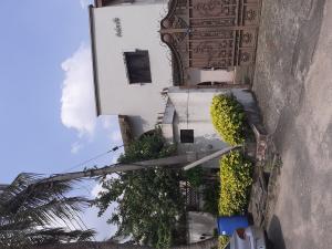5 bedroom Semi Detached Duplex House for rent Ramat, Behind Domino's Pizza Ogudu GRA Ogudu Lagos
