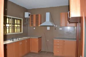 Detached Duplex House for sale Magodo pj2 Shangisha Kosofe/Ikosi Lagos