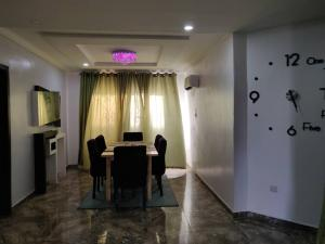 Flat / Apartment for shortlet Dideolu Estate Victoria Island Lagos