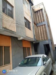 3 bedroom Blocks of Flats House for rent ISHERI JUNCTION OPPOSITE POLICE STATION. Olowora Ojodu Lagos