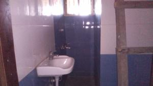 3 bedroom Flat / Apartment for rent Off fola agoro Fola Agoro Yaba Lagos
