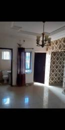2 bedroom Blocks of Flats House for rent Famous bus stop area , along Pedro road  Shomolu Lagos