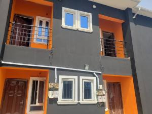 2 bedroom Blocks of Flats House for rent MARYLAND  Maryland Lagos