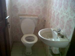 1 bedroom mini flat  Mini flat Flat / Apartment for rent Ilasa. Lagos Mainland  Ilasamaja Mushin Lagos