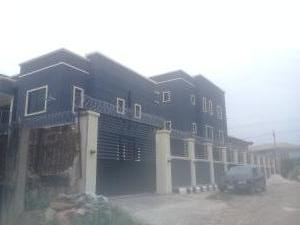 2 bedroom Penthouse Flat / Apartment for rent Akenzua road  Oredo Edo