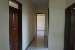 2 bedroom Flat / Apartment for rent oyewole road Dopemu Agege Lagos