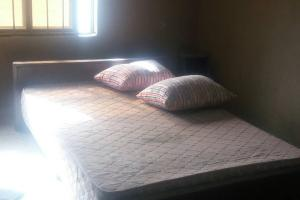 Self Contain Flat / Apartment for rent Oke Afa Isolo. Lagos Mainland  Oke-Afa Isolo Lagos