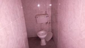 1 bedroom mini flat  Studio Apartment Flat / Apartment for rent . Onike Yaba Lagos