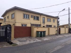 3 bedroom Flat / Apartment for rent Obanikoro Shomolu Lagos
