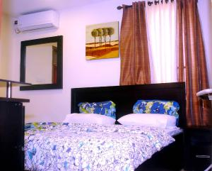2 bedroom Flat / Apartment for shortlet Off Oba Akinjobi way Ikeja GRA Ikeja Lagos
