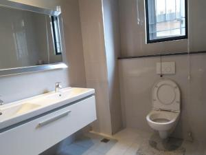 3 bedroom Detached Duplex House for shortlet along  Bourdillon Ikoyi Lagos