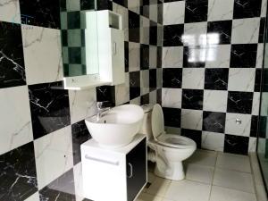 4 bedroom Terraced Duplex House for rent Lekki conservation road, by second toll gate lekki Lekki Lagos
