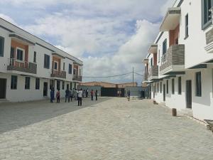 3 bedroom Terraced Duplex House for sale Lafiaji community, orchid road, Lekki, Lagos State  chevron Lekki Lagos
