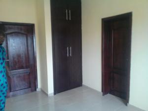 1 bedroom mini flat  House