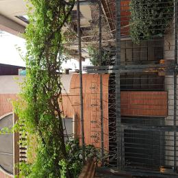 3 bedroom Shared Apartment Flat / Apartment for rent THE STREET IS LOCATED IN A GREAT QUIET RRSIDENTIAL CLOSE OF RANDLE AVENUE CENTRAL SURULERE  Randle Avenue Surulere Lagos