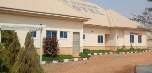 10 bedroom Hotel/Guest House Commercial Property for sale OIL VILLAGE,NEAR NNPC STAFF QUARTERS,KADUNA Kaduna South Kaduna