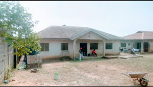 Detached Bungalow House for sale New London, Oke Oko Baruwa. behind Diamond Estate. Baruwa Ipaja Lagos