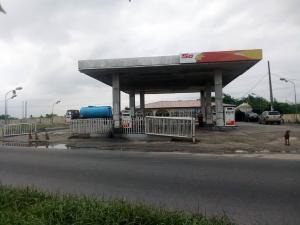 Commercial Property for sale For sale:  Filling station on Ikorodu road, immediately after owode Agric Ikorodu Lagos