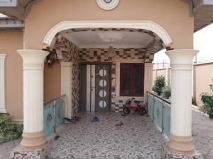 4 bedroom Detached Bungalow House for sale Akoto Elebu Oluyole Extension  Akala Express Ibadan Oyo