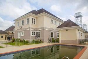 5 bedroom House for sale Yiwa street Galadinmawa Abuja
