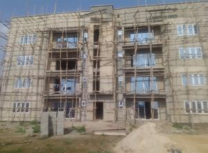 3 bedroom Flat / Apartment for sale private estate in surulere(Tetramanor) Iponri Surulere Lagos