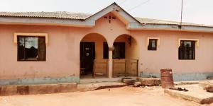 Detached Bungalow House for sale Kolab Bus stop, Aiyetoro Lafenwa Itele. Ogun state Ayobo Ipaja Lagos