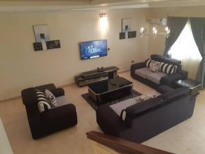 4 bedroom Terraced Duplex House for shortlet Off Bishop Oluwole,  Victoria Island Lagos
