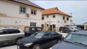 4 bedroom Semi Detached Duplex House for sale Jakande Jakande Lekki Lagos