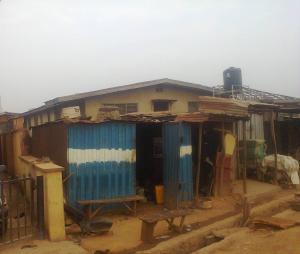 4 bedroom Flat / Apartment for sale NEW MARKET AREA Iwo Rd Ibadan Oyo - 0