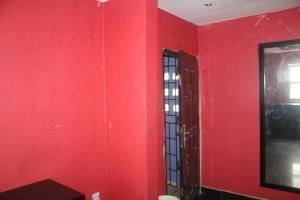 1 bedroom mini flat  Self Contain Flat / Apartment for rent Finbarrs Road, Akoka Akoka Yaba Lagos