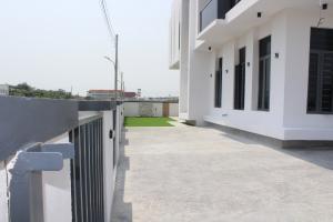 5 bedroom Detached Duplex House for rent Lakeview Estate, Lafiaji,  chevron Lekki Lagos