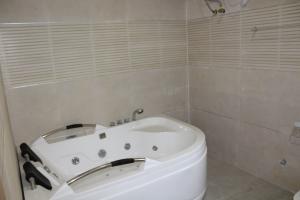5 bedroom Detached Duplex House for sale Chevy View Estate chevron Lekki Lagos