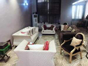 4 bedroom Detached Duplex House for sale . ONIRU Victoria Island Lagos