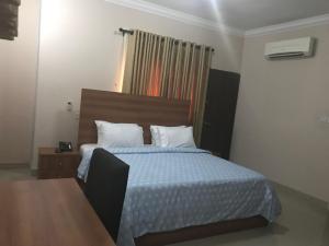 House for rent Sobo Arobiodu Street GRA Ikeja Ikeja Lagos