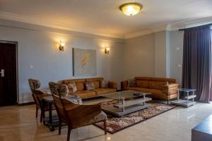 3 bedroom Mini flat Flat / Apartment for shortlet opposite 4 points ONIRU Victoria Island Lagos