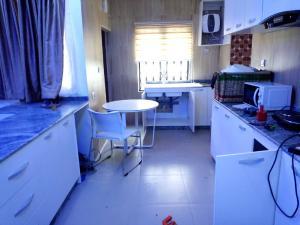 2 bedroom Blocks of Flats House for sale Rev Ogunbiyi Ikeja GRA Ikeja Lagos