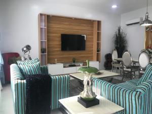 3 bedroom House for shortlet 90/92 pioneer rd osapa london  Osapa london Lekki Lagos
