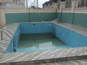 5 bedroom Terraced Duplex House for sale Estate Guzape Abuja