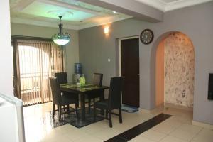 3 bedroom Flat / Apartment for shortlet Beside LSDPC Estate Adekunle Yaba Lagos