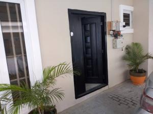 1 bedroom mini flat  House for shortlet -  chevron Lekki Lagos