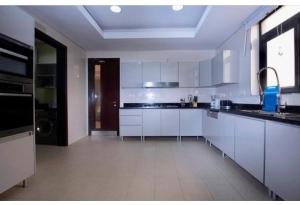 3 bedroom Flat / Apartment for shortlet Close to Mojisola Onikoyi  Old Ikoyi Ikoyi Lagos