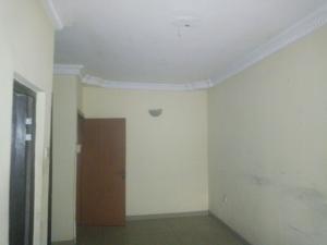 2 bedroom Flat / Apartment for rent eniyansoro beyi oku off ogunlana drive Ogunlana Surulere Lagos
